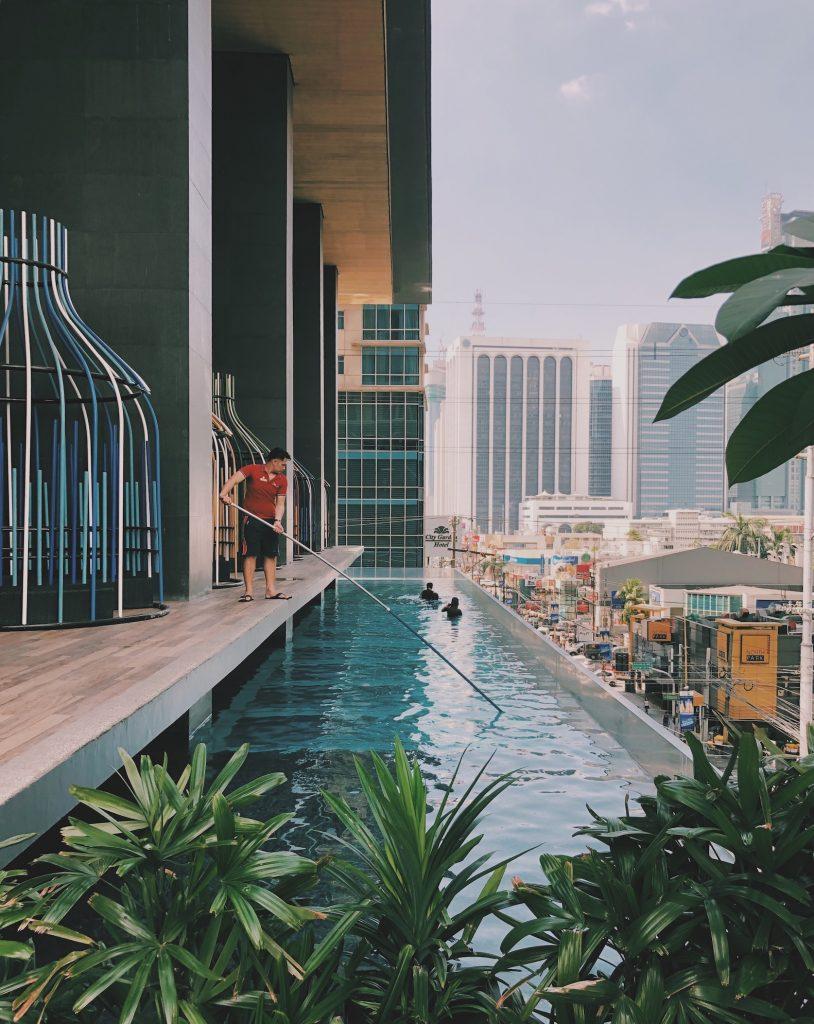 IM Hotel Makati Manilla Solon Travel swimmingpool