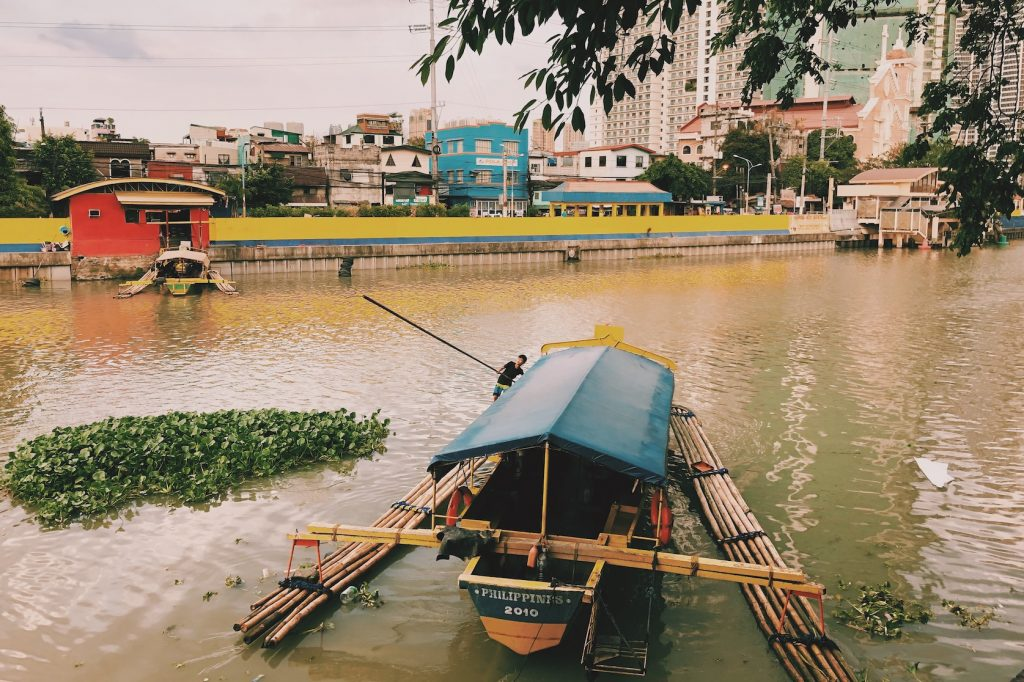 Ferry Makati, Manilla Solon Travel