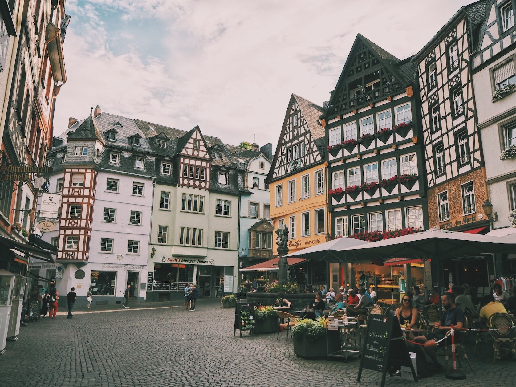 Cochem Germany village Duitsland kleurrijk Solon Travel platz plein